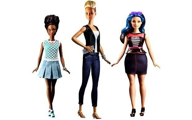 barbie-novos-corpos-petite-curvilinea-alta