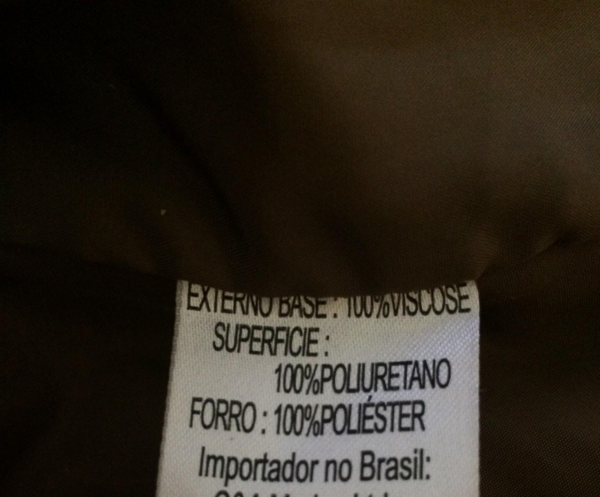 etiqueta-de-roupa-poliuretano